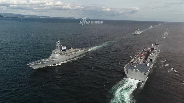 韩联社10月10日报道称,据韩国海军10日消息,为期五天的2018韩国海军国际阅舰式10日在济州海军基地拉开帷幕,共有46个国家派团参加,规模创历届之最。