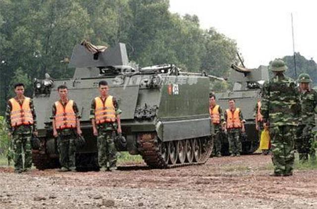 越南战争之后,越南军队获得了大量美国制造的M113的装甲车,它被认为是世界着名的装甲车辆之一。虽然时间比较长,但得益于持续改进,尤其是越南已成功的本土化了一些重要细节才让它继续在军队中服役。(鼎盛军事)