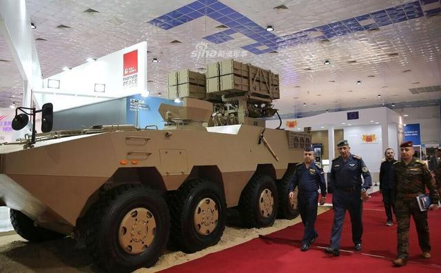 伊拉克国际防务展10日在巴格达开幕,来自全世界18个国家的70多家展商参展。此次防务展为期4天,参展企业展示了无人机、战车、导弹等军事装备。北方工业公司、保利集团等中国企业参加了此次防务展。值得注意的是,此次北方工业公司推出了一款大八轮版红箭10反坦克导弹战车,看得出多国军方对此颇有兴趣。