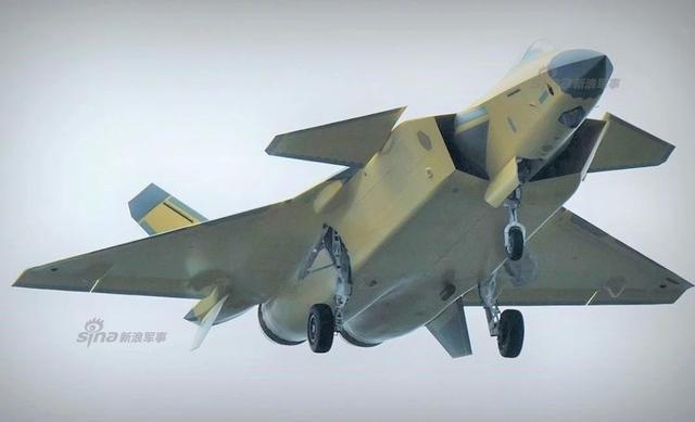 近日据网友爆料,我军最新一架装备国产发动机的2022号歼20战机正在试飞。此前2021号歼20试飞照曾曝光,该架歼20很有可能是之前传闻的2018年新年首飞装配太行发动机的歼20,其中发动机采用了黑色锯齿。(来源: PhoenixZ- )
