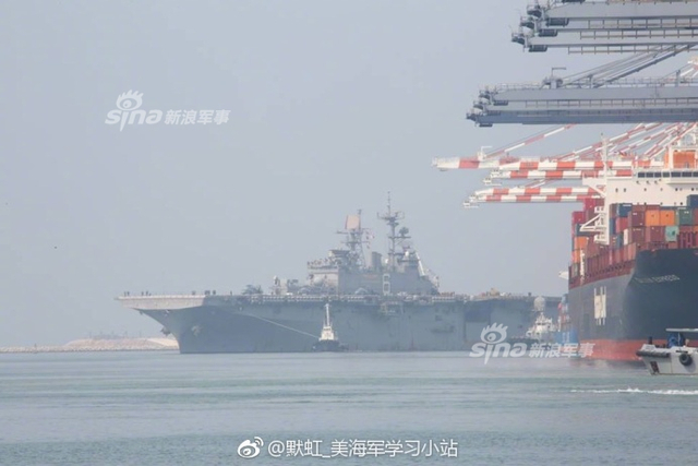 """2月11日,美军""""好人理查德""""两栖戒备群抵达泰国,参加美泰""""金色眼镜蛇""""演习。此外2月10日,新近抵达日本佐世保的美军""""黄蜂""""两栖攻击舰,正组织各种训练,为即将开始的东海巡航做准备。而此前美国《华尔街日报》10日援引军方匿名人士的话说,为了应对中国迅速崛起的军力,美国国防部正在考虑向东亚部署海军陆战队远征队(MEU)。(来源:默虹美海军学习小站)"""