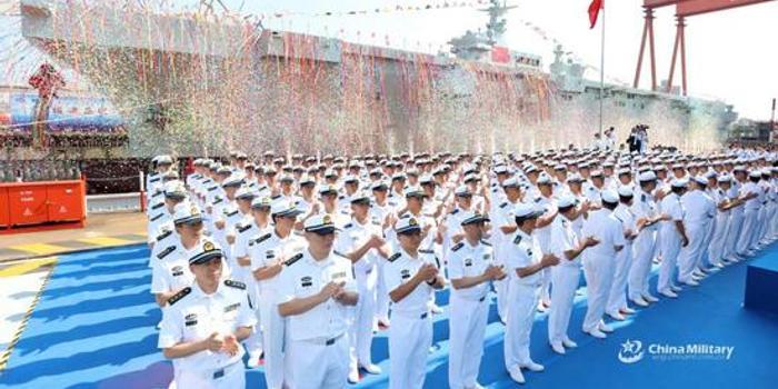 张召忠:山东舰和055都成过气网红 075舰开始下饺子