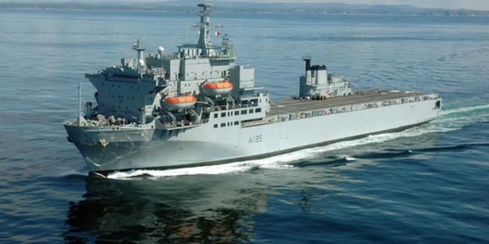 """疫情当前 英国海军这艘""""医院船""""为何却要打道回府"""