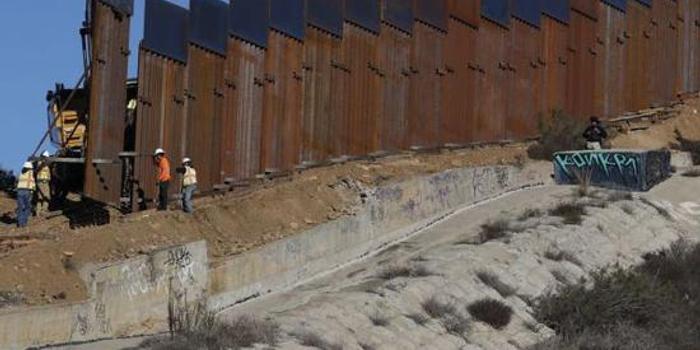 美议员斥军方挪用百亿军费修边墙:特朗普践踏国会财权