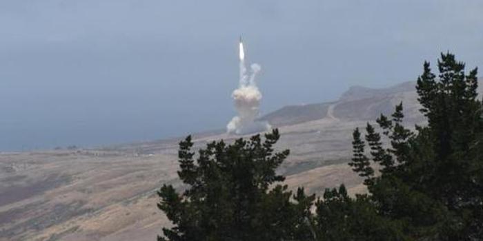 美軍反導系統首次齊射攔截洲際導彈試驗獲成功