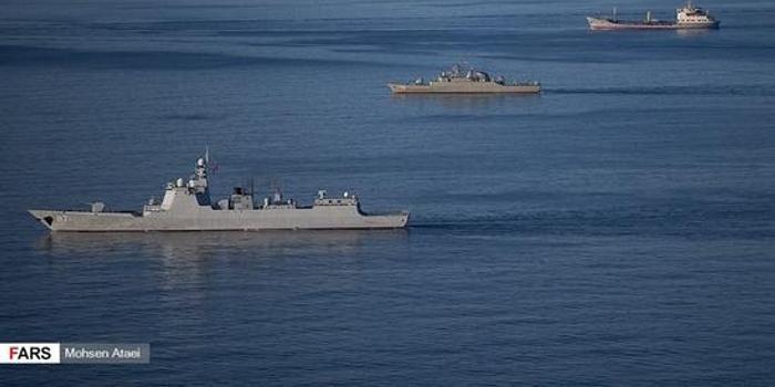 中俄伊朗战舰在阿曼湾演习 美航母现身周边海域(图)