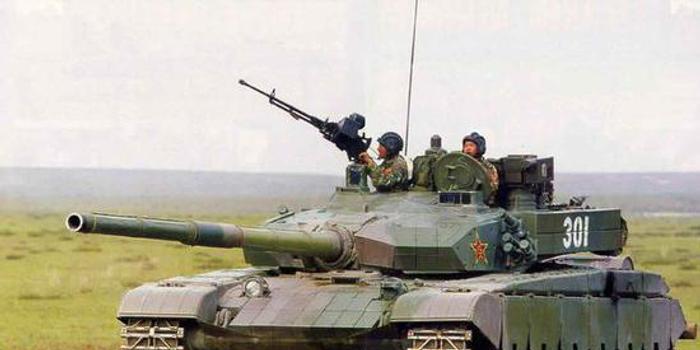 我99A坦克如何识别:动力舱抬高且未安装横风传感器