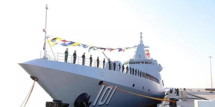 张召忠:中国055大驱颜值高吨位大 至少要造十几艘