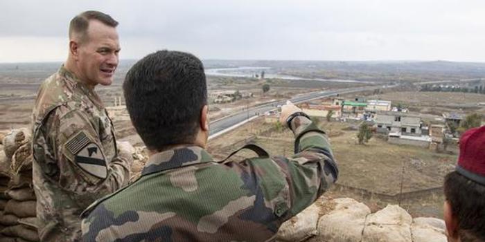 伊拉克赶人了 美军却赖着不走:美军在那里是常驻军