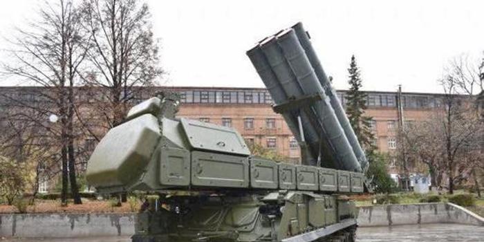 俄阅兵将展示最新履带式防空导弹车 可反导反隐形
