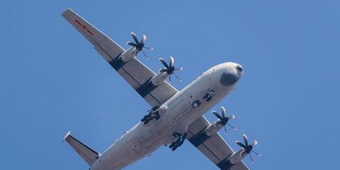 航空自导深弹成运8反潜机标配武器 作战深度达600米