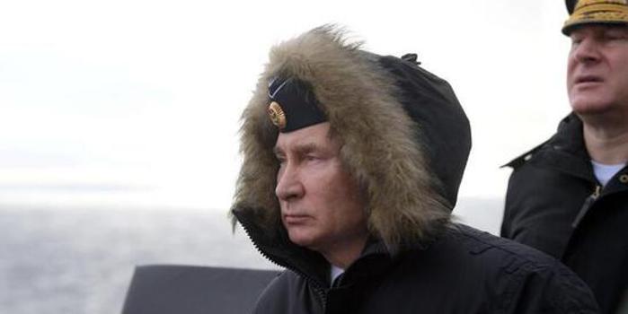 俄军黑海演习 普京上舰观摩高超音速导弹试射(图)