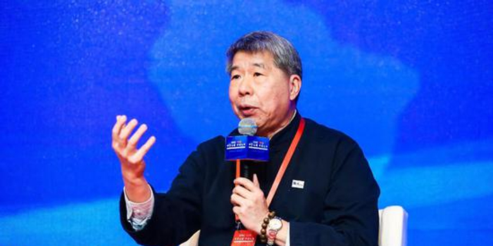 台大教授张亚中:两岸应该谈从结束敌对到统一前的工作