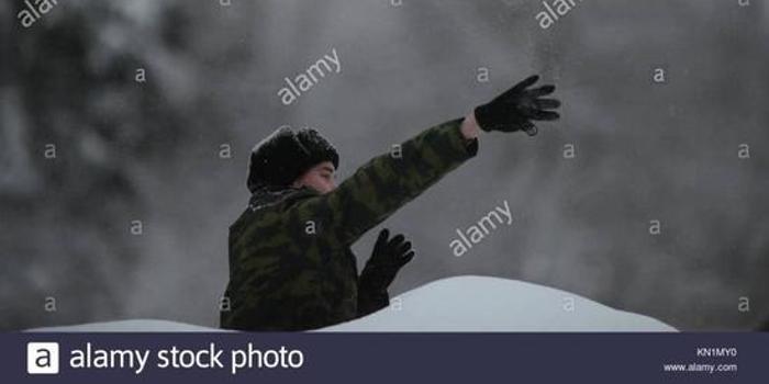 俄將軍:現在的孩子對槍炮心存恐懼 連手雷都不會投