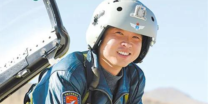 空军这位获得五四奖章的金头盔 创下歼10C两项记录