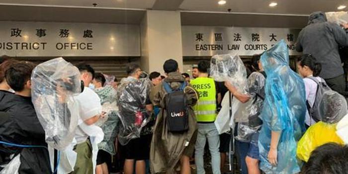 """""""警察抓法官放"""" 香港為何頻頻出現如此怪象?"""