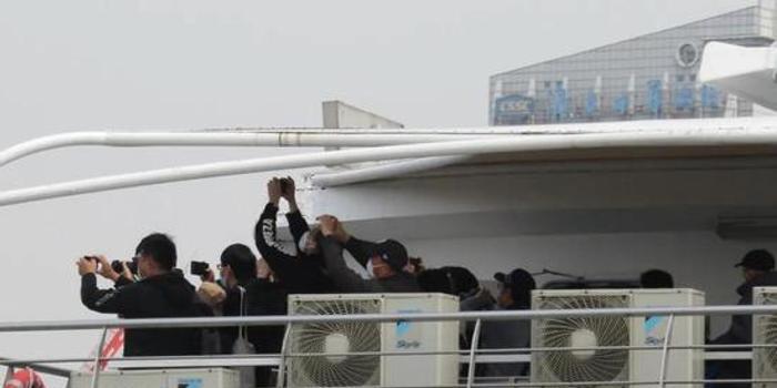 075舰也开始下饺子 它还是为海军庆生的礼物吗
