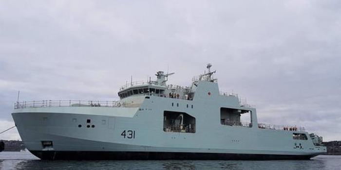 加拿大新军舰下水 吨位与052C舰相似却只装了一门炮