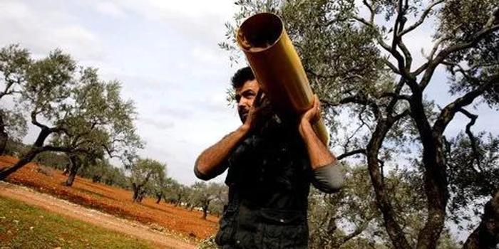 遭叙政府军袭击1天折损33士兵 土耳其下步棋怎么走