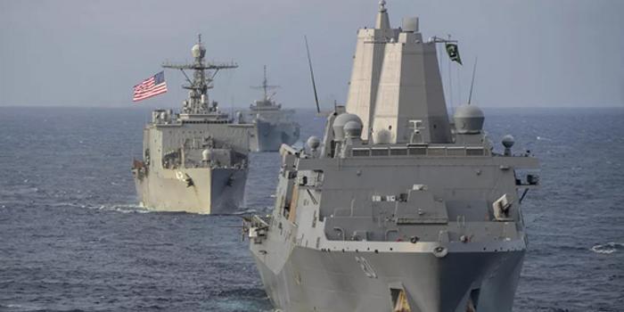 驻日美军要求新冠病毒检测后 人员才可登上战舰飞机