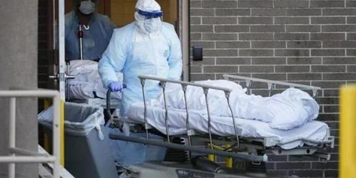 纽约新冠病毒死亡病例接近5000 美军出动收尸部队