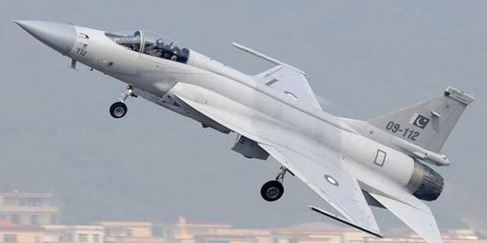 枭龙战机首次打开非洲市场 3架卖出1.8亿美元