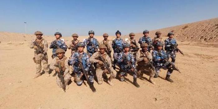 中国特种部队现身中东 全部使用外军枪械射击(图)