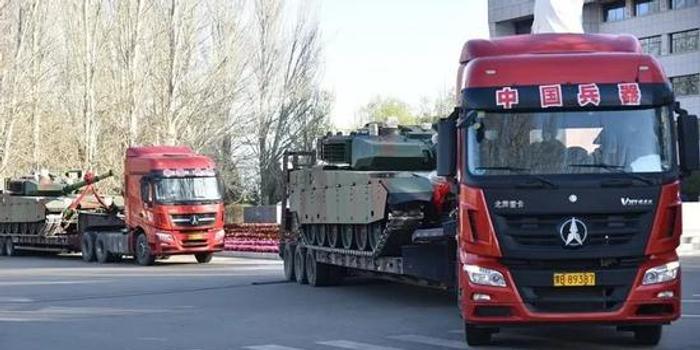 改进版VT4坦克出口:装甲块头更大还有防攻顶设置