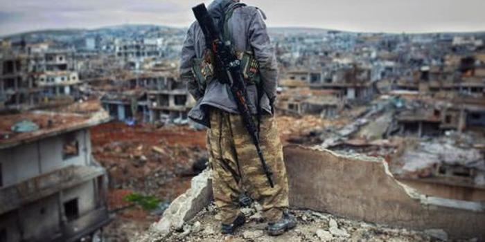 一人狙滅一支軍隊:庫爾德狙擊手自傳揭露敘殘酷戰事