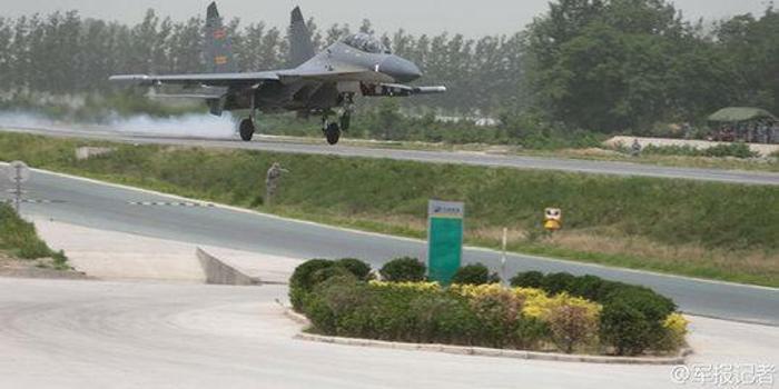 不怕机场被炸:中国28万里高速路 有些可1小时变跑道
