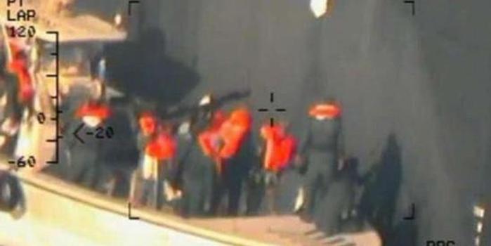 美軍放出伊朗拆彈高清監視影像 再次認定其襲擊油輪
