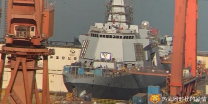 大连船厂最新1艘055万吨大驱进展神速 即将下水(图)