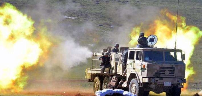国产卡车炮海拔4500米高原实弹射击