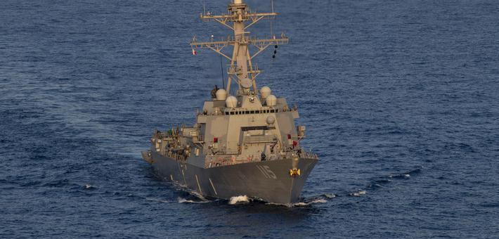 全程监视!我052C舰跟踪美舰闯南海