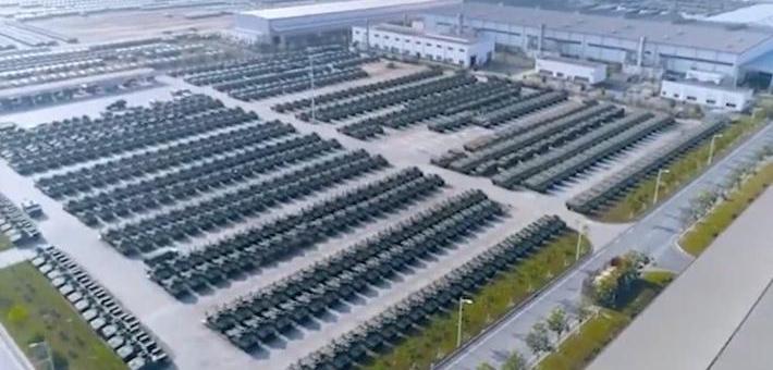 堆满停车场!中国版悍马军车全面复产