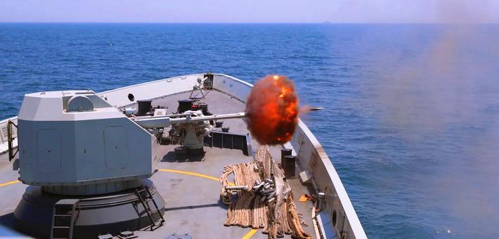 新青年火力强悍!054A实弹射击训练