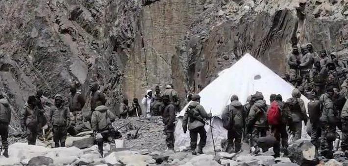 印军越线画面曝光:修桥搭帐篷清晰可见