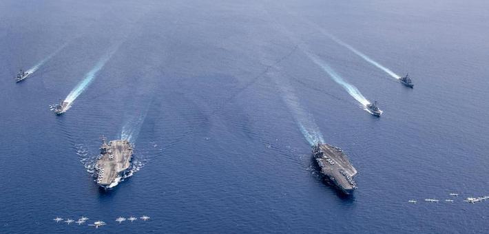阵容庞大!美军双航母编队又来南海军演
