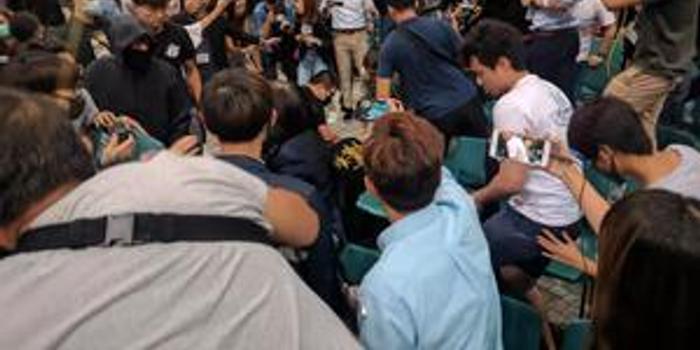 環球時報:內地學生遭打 香港高校在加速沉淪