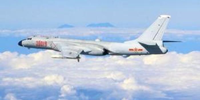 台媒:解放军战机飞越巴士海峡 台防务部门称严密掌控