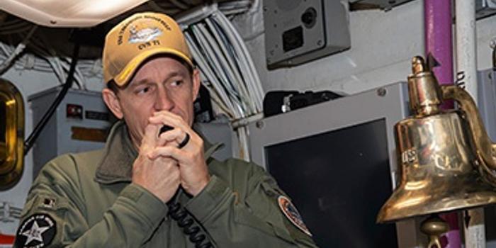 美海军呼吁让罗斯福号原舰长官复原职 防长:正考虑