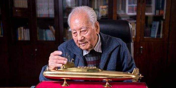 黄旭华和曾庆存获国家最高科技奖