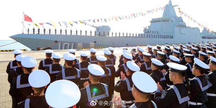 中国海军拥首艘万吨级驱逐舰:南昌舰正式入列