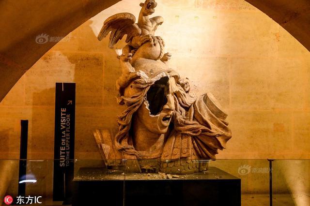 """12月6日报道,法国""""黄马甲""""运动进入第三周。12月1日,一群""""黄马甲""""暴力分子闯入凯旋门博物馆大肆破坏,馆内文物遭到涂鸦、打砸、损毁。来源:东方IC"""