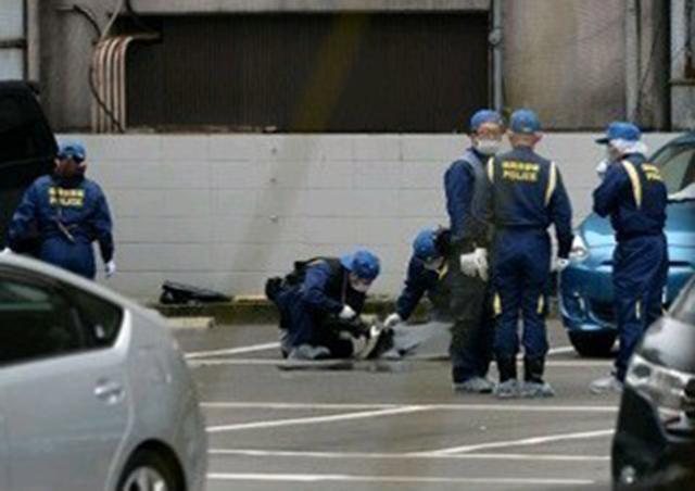 当地时间4月20日下午12:25分,日本福冈市中央区的停车场发生一起抢劫案。涉案金额高达3.84亿日元(约合人民币2419万人民币)。