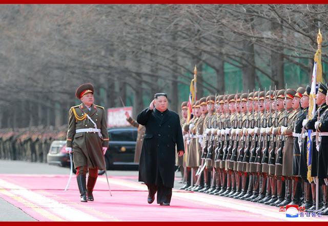 2月8日是朝鲜人民军建军节。朝鲜最高领导人金正恩当天在朝人民武力省发表讲话,祝贺朝鲜人民军建军71周年。