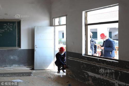 江苏盐城化工厂爆炸变乱:邻近黉舍为复课做预备