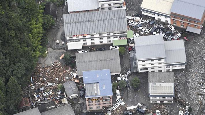 四川卧龙遭强降雨 96人被困