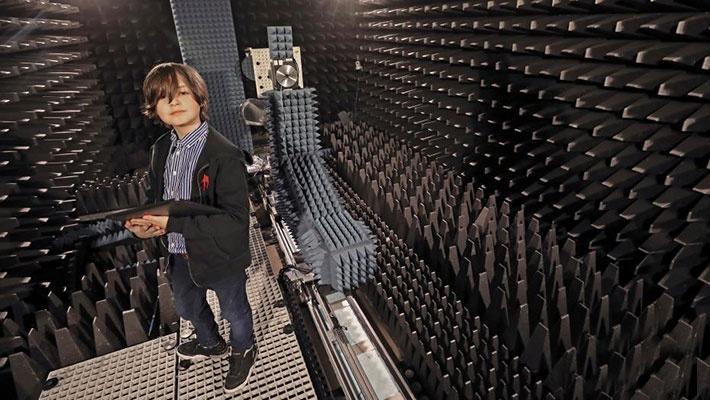 比利时9岁神童即将大学毕业