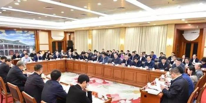 書記省長都在京開會 委托政法委書記匯報掃黑除惡